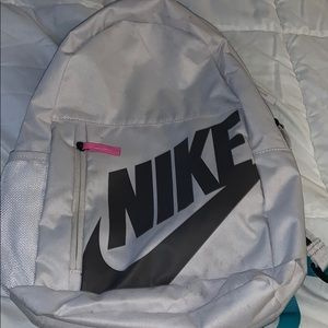 White nike backpack